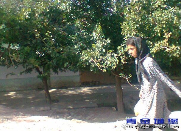 可以读书的阿富汗少女
